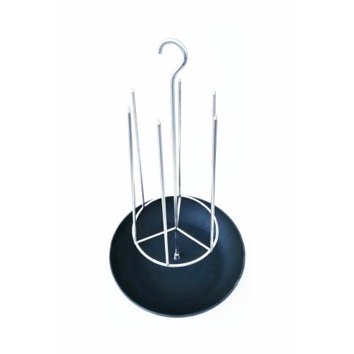 Тритон с чугунной сковородкой с крючком D-28